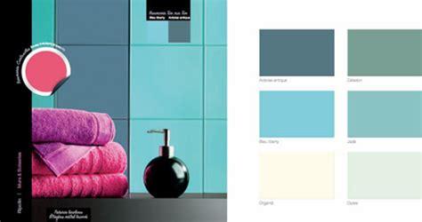 chambre gris et aubergine couleur decoration salle de bain bleu vert harmonie