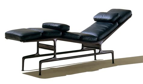 chaise eames bascule eames chaise by charles eames for herman miller