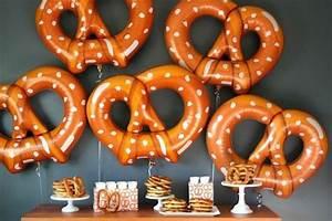 Oktoberfest Party Deko : oktoberfest deko f r eine thematische feier ~ Sanjose-hotels-ca.com Haus und Dekorationen