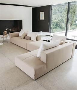 Elegant italian sectional sofa marmsweb marmsweb for Small italian sectional sofa