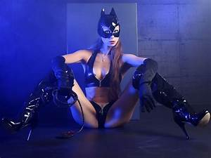Catwoman and Felicia Hardy in cosplay suit - YouTube