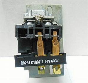R8231c1007 Honeywell Relay 24 Volts   60 Hertz New Old