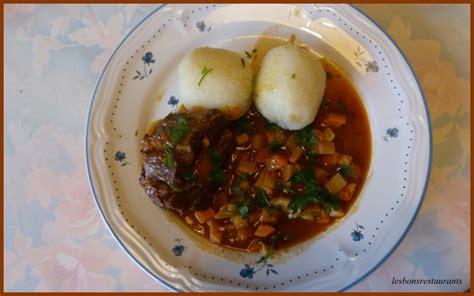 cuisiner la queue de boeuf queue de boeuf à la bourguignonne les bons restaurants