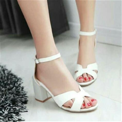jual sepatu heels wanita hak tahu putih hds13 di lapak dz store dewisurya994
