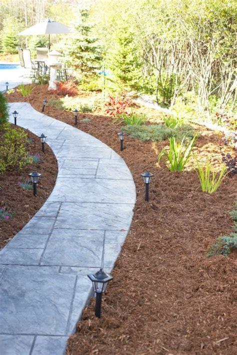 Einen Gartenweg Selber Anlegen by Hausbautipps24 Gartenwege Selber Pflastern