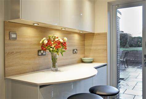 Handleless Cream Kitchen   Quartz Worktops in Crawley Down