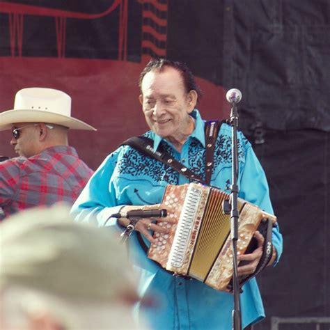 texan accordionist flaco jimenez  receive lifetime