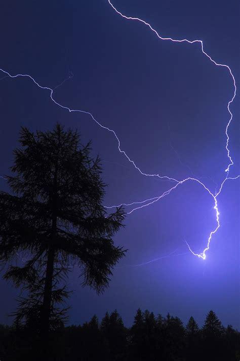 lightning blot iphone 4s wallpaper 640x960 iphone 4s
