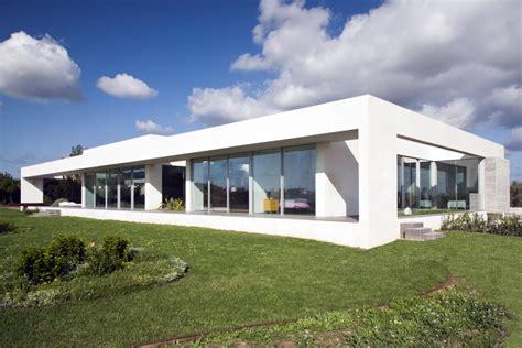 Minimalist House : 02 Sunny Minimalist House