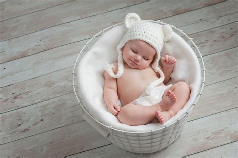 Pros And Cons Of Sleeping Options For The Newborn Baby