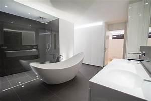 Bad Luxus Design : bad beleuchtung modern badezimmer modern einrichten abgehangte decke indirekte design ideen ~ Sanjose-hotels-ca.com Haus und Dekorationen