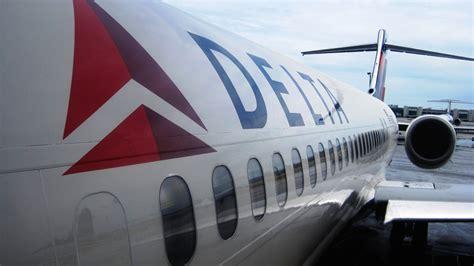 delta 717 cabin photos delta begins receiving boeing 717s