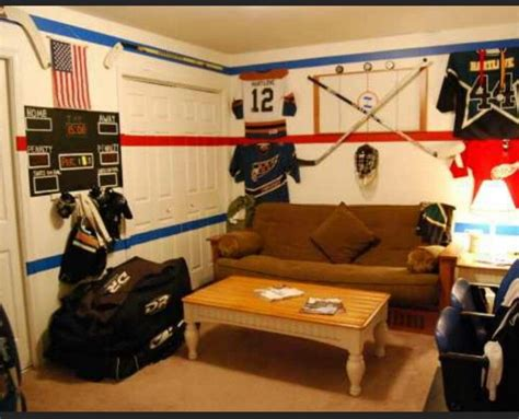 Decorating Ideas For Hockey Bedroom by Decorating Ideas For Hockey Room Payton S Room Ideas