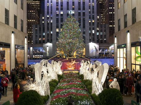 how many lights are on the rockefeller tree tree lighting 2017 front center at rockefeller center