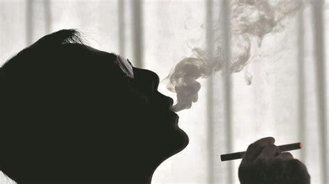 Pētījums: mazāk smēķē - Veselība - nra.lv