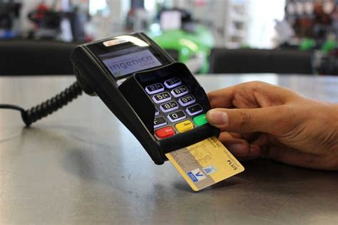 Finding the right credit card to match your financial situation and spending habits can be time consuming and sometimes down right impossible. Store Clerk Memorizes Credit Card Info from Over 1,300 People, Uses It Online   Watercooler ...