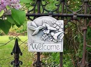 Hummingbird Welcome Plaque -- Carruth Studio: Waterville, OH
