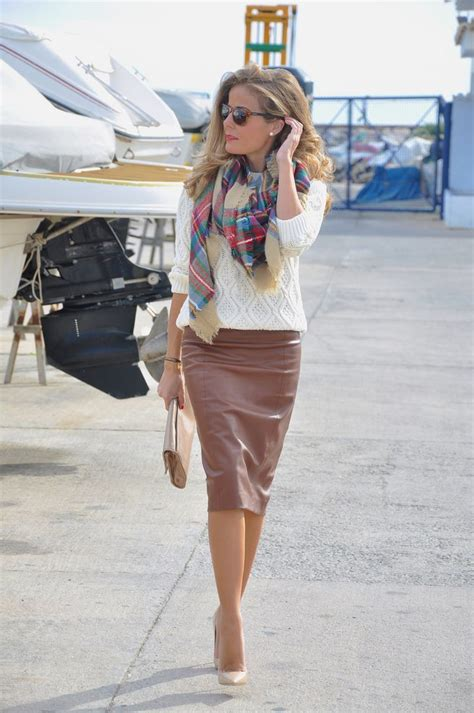 How To Wear Pencil Skirts u2013 Combination Ideas 2018 | FashionGum.com