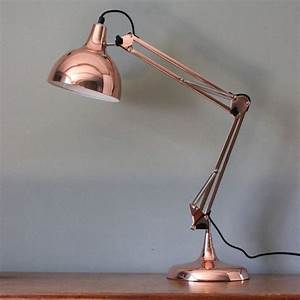 Lampe Rose Gold : a fantastic copper angled table lamp this adjustable table lamp comes in a really vibrant ~ Teatrodelosmanantiales.com Idées de Décoration