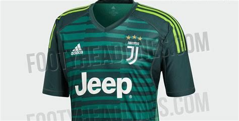 Divisa Portiere by Divisa Juventus Portiere