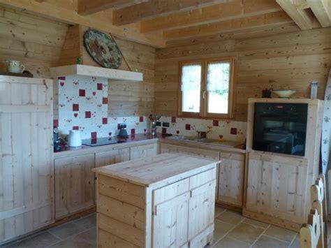 cuisine style fermette faience murale pour cuisine décor style chalet de monta