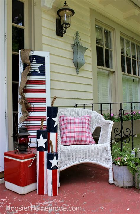 turn an shutter into a 4th of july decoration