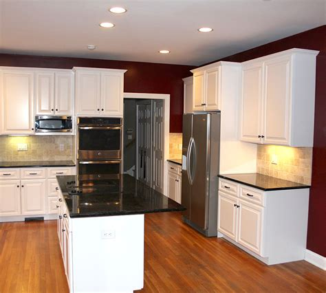 Small Kitchen Cabinet Refacing  New Fairfield,ct