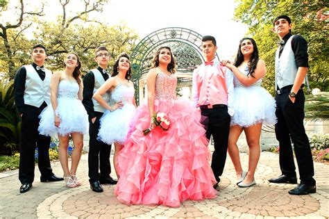 quinceanera honor corte chambelanes damas court fort worth quinceanera bus party rentals choose sweet limo service right