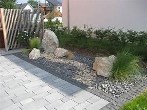 Schöne Gärten Anlegen : pflegeleichtes steinbeet mit kalksteinfindlingen bepflanzung mit gr sern von rheingr n ~ Markanthonyermac.com Haus und Dekorationen