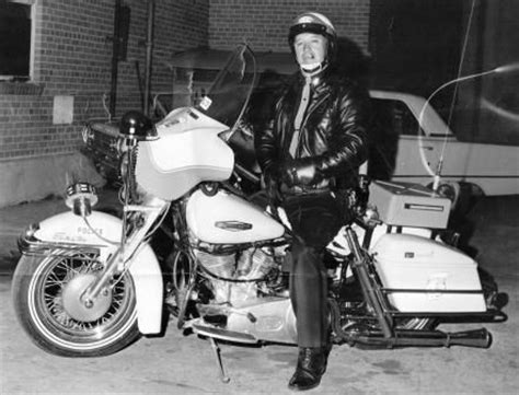 Vintage Motorcycle Honors Mobile Police Officer Alcom
