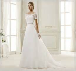 1000 ideas about hochzeitskleider schlicht on hochzeitskleid - Brautkleid Spitze Schlicht