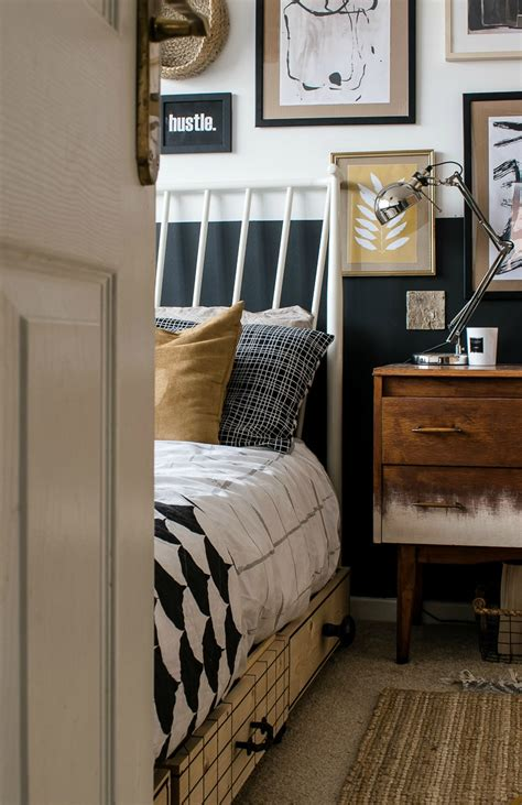 Small Bedroom Makeover by Diy Bed Storage Boxes A Knobs Guide Grillo Designs