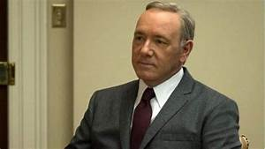 Kevin Spacey returning from sexual-assault hearing, gets ...