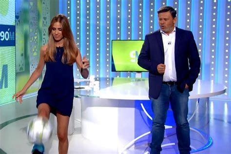 María Gómez : Vertele TV María Gómez demuestra toque balón