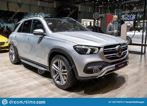 Gle 450 4matic 4dr suv awd (3.0l 6cyl turbo gas/electric hybrid 9a). Mercedes Benz GLE 450 4MATIC Car Editorial Photo - Image of model, 2019: 142710276