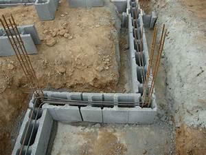 les soubassements notre projet de maison passive a With maison en beton coule 6 le beton pour la maison parpaing bloc a bancher premur