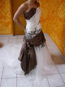 Robe De Mariée Originale : annonces offres gratuites robes de mari e d 39 occasion et ~ Nature-et-papiers.com Idées de Décoration