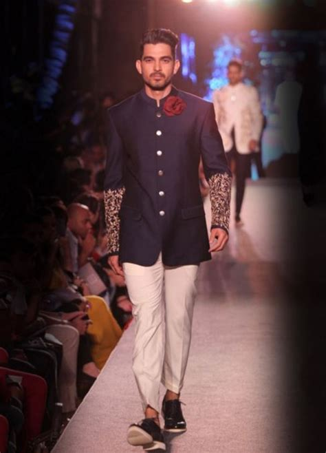 designer wedding sherwani for men indian groom outfits