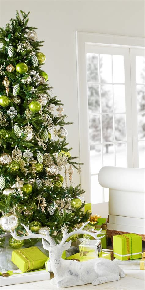 green tree decorations christmas tree decorating ideas the holiday helper