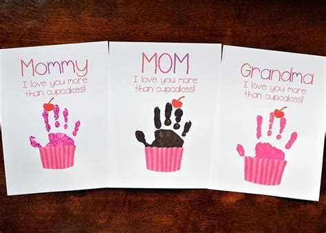 cupcake handprint gift  mothers day  printable