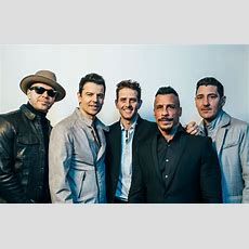 10 Things About Nkotb That Are Definitely The Right Stuff
