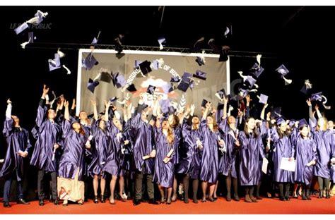 chambre de commerce et d industrie dijon dijon les chapeaux volent pour 657 diplômés de l esc dijon