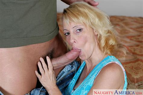Ericka Lockett Friends Mom Milf Blonde Shaved Milfs