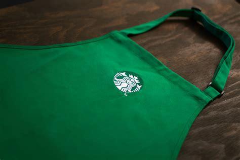 Program pro coffee mastery přináší hlubší pohled na svět kávy a znalost starbucks v oblasti kávy. What Do the Starbucks Apron Colors Mean?