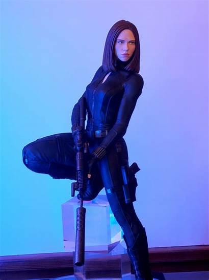 Widow Statue Giant Gentle Marvel Released Natasha