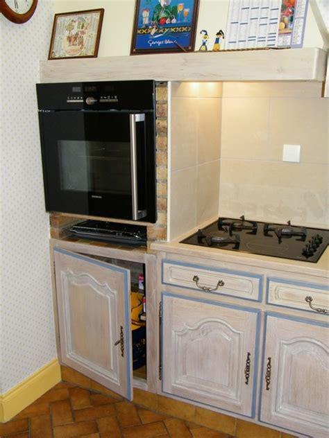 porte facade cuisine une cuisine intégrée relookée par une céruse atelier de