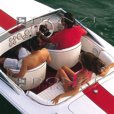 Donzi Boat Windshield by Black Canvas Cockpit Cover Donzi 16 Classic With Windshield