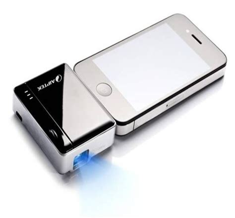 iphone projector projector for iphone technology gadgets