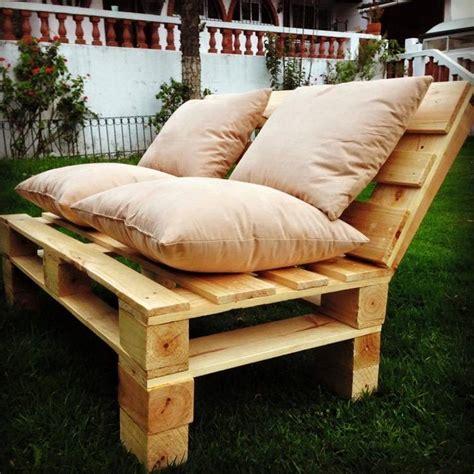 comment fabriquer un canapé en bois de palette comment fabriquer un fauteuil en palette pour