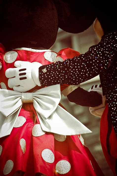 Mickey And Minnie Mouse Pic Mickey And Minnie Disney Forever Young Pinterest Parque Kids And Parenting E Diversão